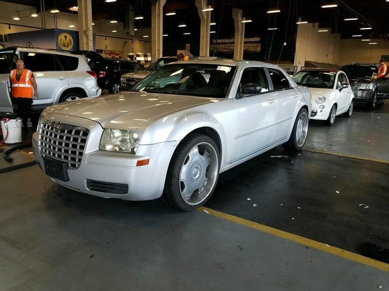2007 Chrysler 300 $999