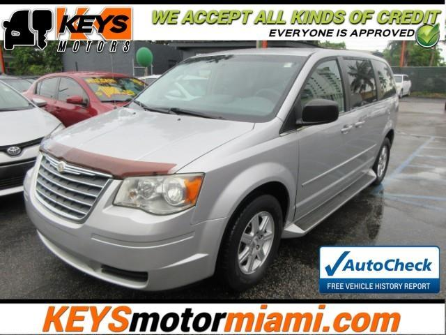 2010 Chrysler Town & Country $850