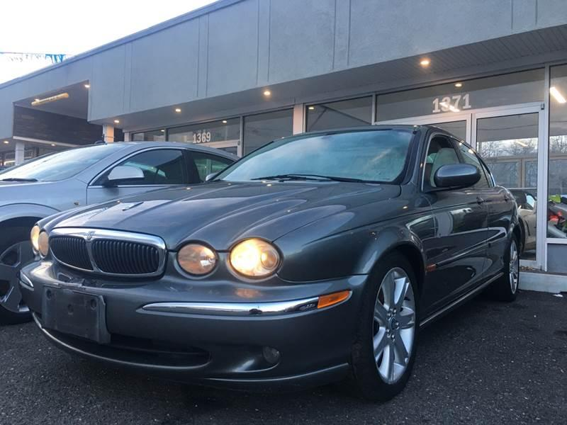 2003 Jaguar X-Type $599
