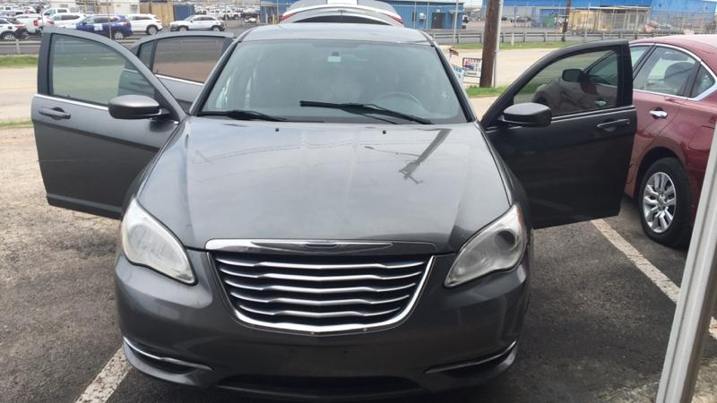 2012 Chrysler 200 $1200
