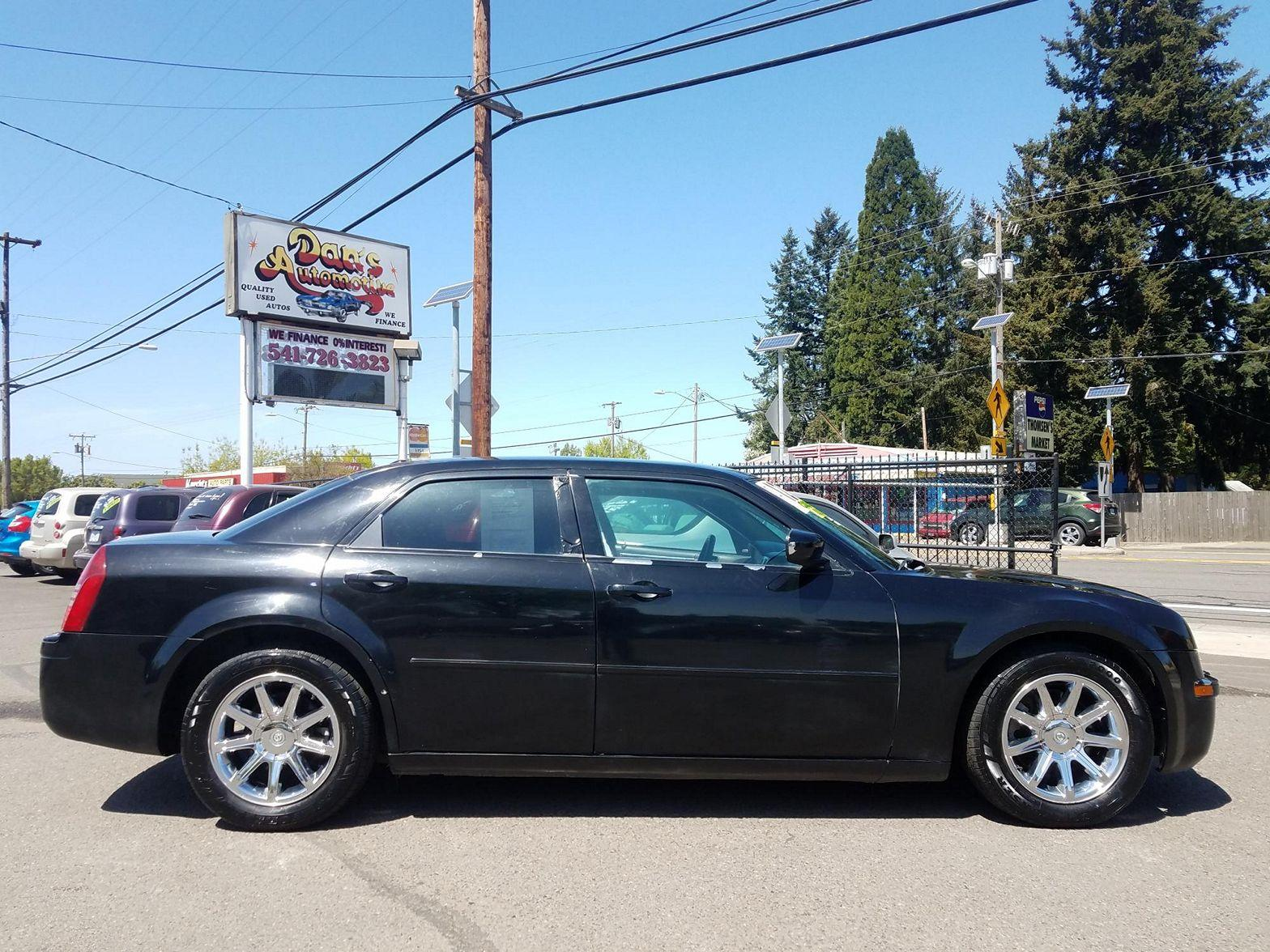 2005 Chrysler 300 $1275