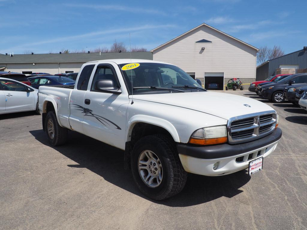 2004 Dodge Dakota $995