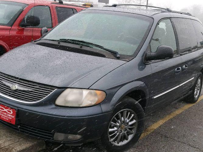 2002 Chrysler Town & Country $1000
