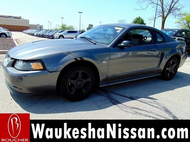 2004 Ford Mustang $795