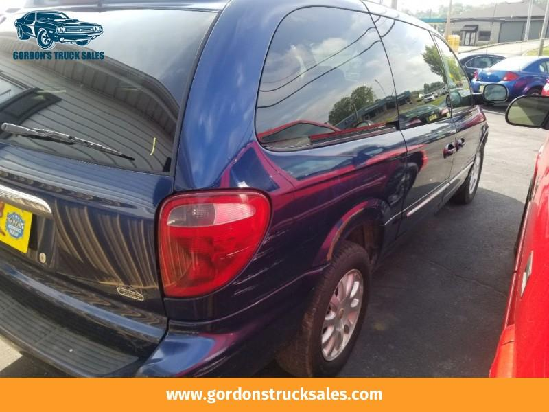 2001 Chrysler Town & Country $1250