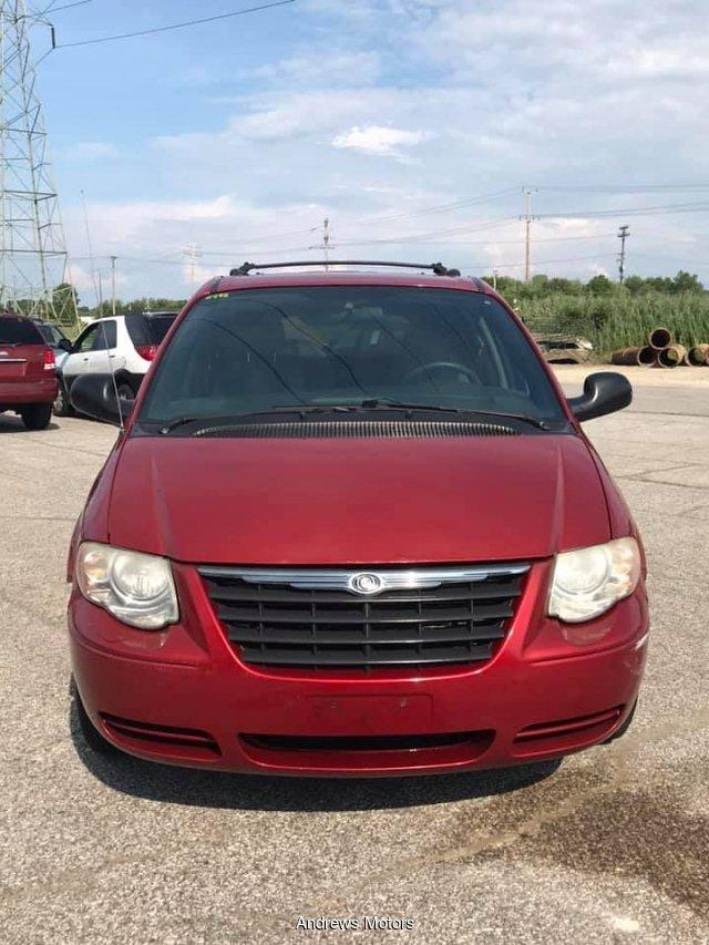 2005 Chrysler Town & Country $995