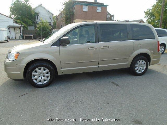 2009 Chrysler Town & Country $1000