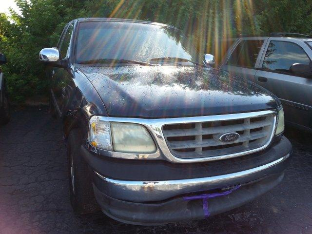 2002 Ford F-150 $884