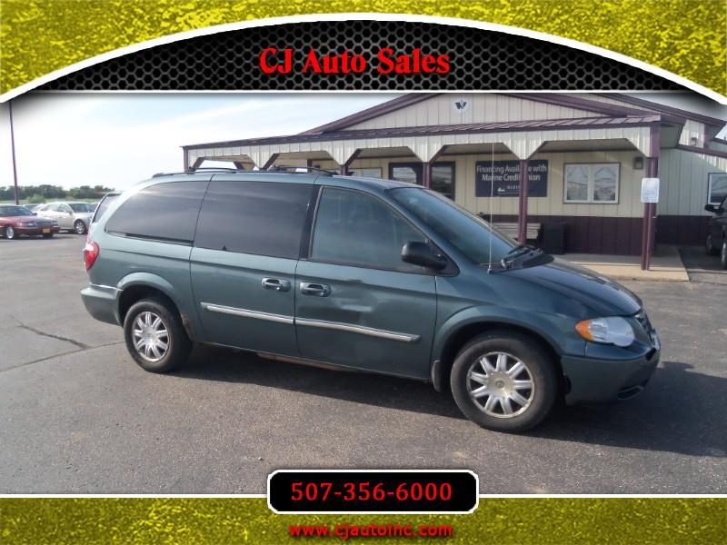 2005 Chrysler Town & Country $1400