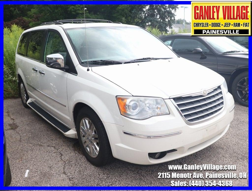 2010 Chrysler Town & Country $1250