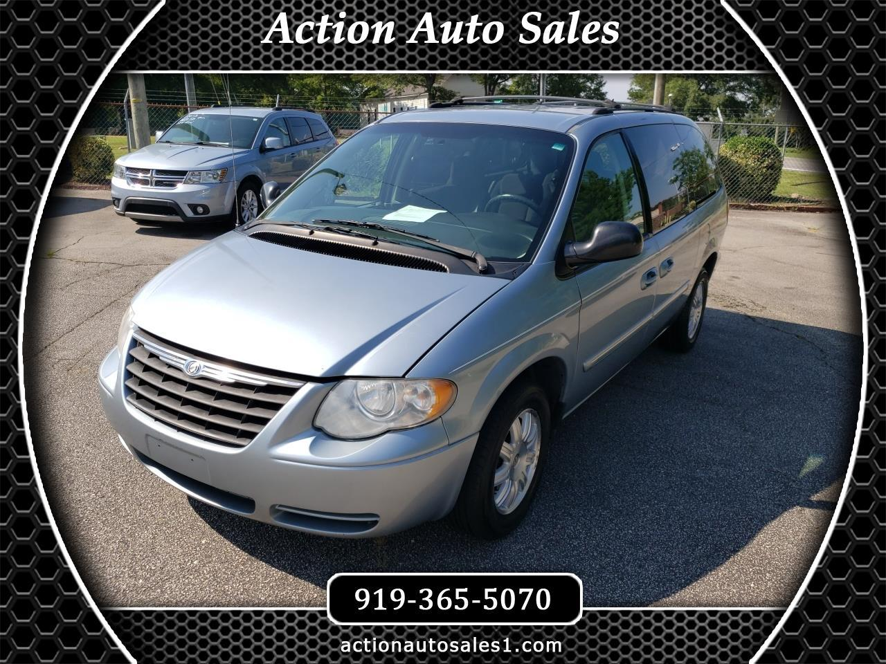 2005 Chrysler Town & Country $599