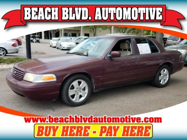 2004 Ford Crown Victoria $988