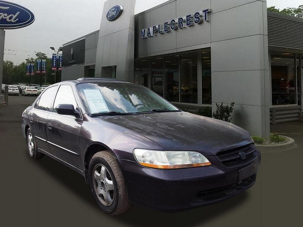 1998 Honda Accord $999