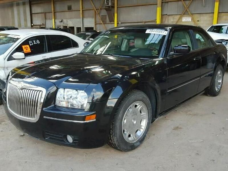 2005 Chrysler 300 $999