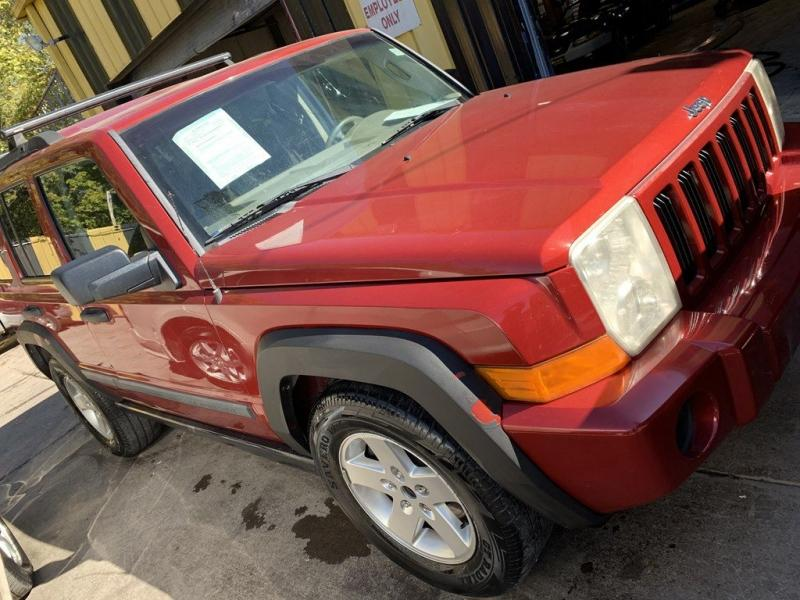 2006 Jeep Commander $525