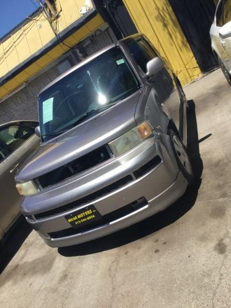 2005 Scion xB $525