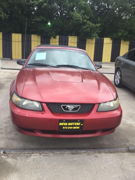 2004 Ford Mustang $725