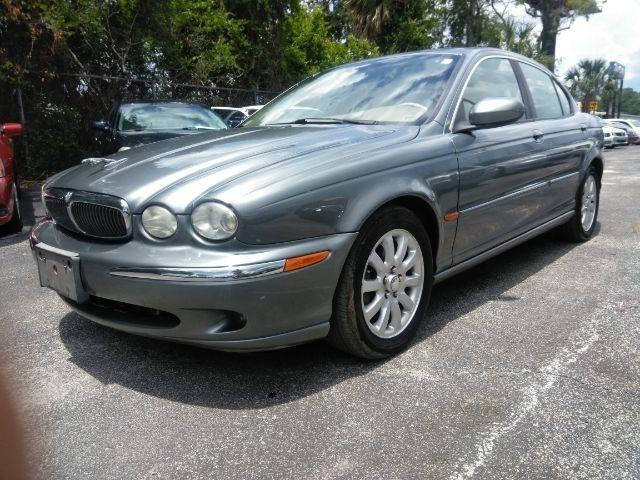 2003 Jaguar X-Type $1000