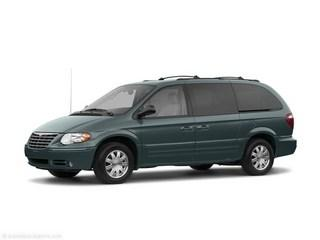 2005 Chrysler Town & Country $999