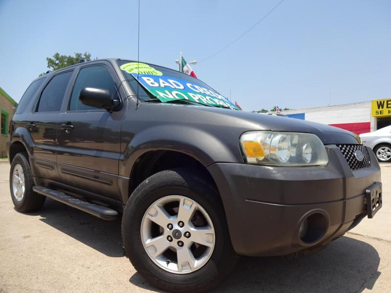 2005 Ford Escape $995