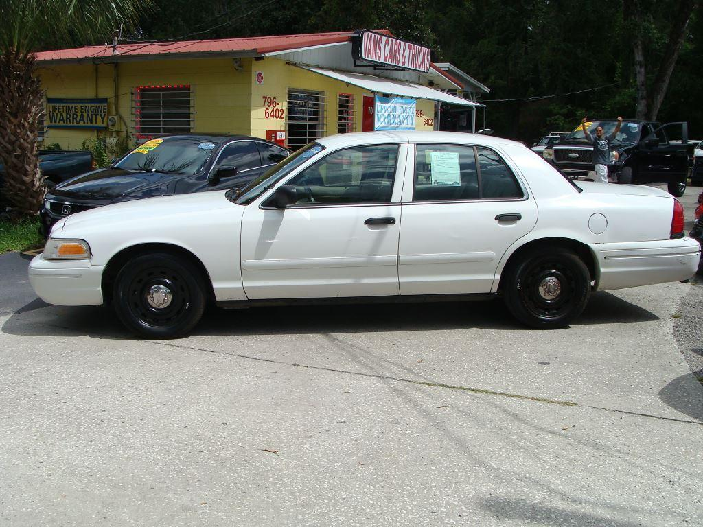 2003 Ford Crown Victoria $995