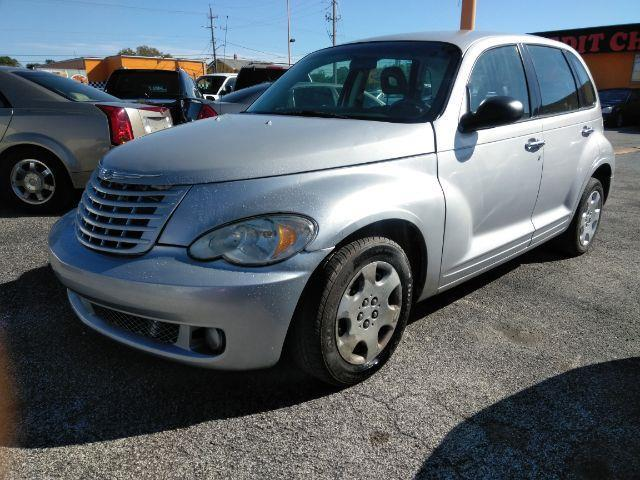 2008 Chrysler PT Cruiser $1000