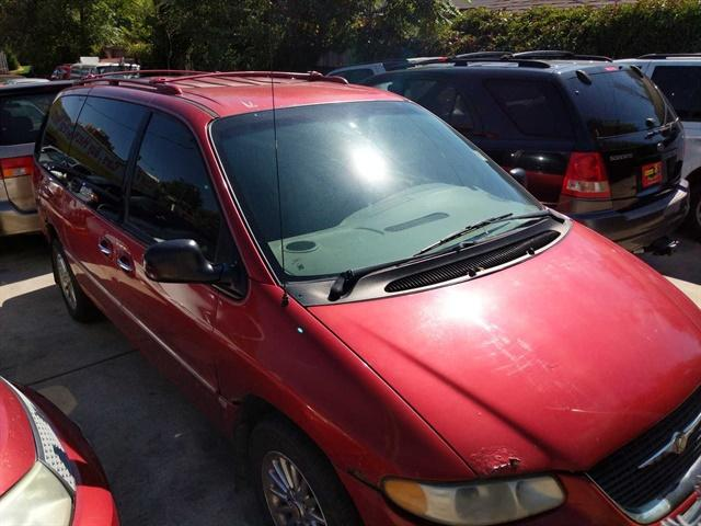 2000 Chrysler Town & Country $988