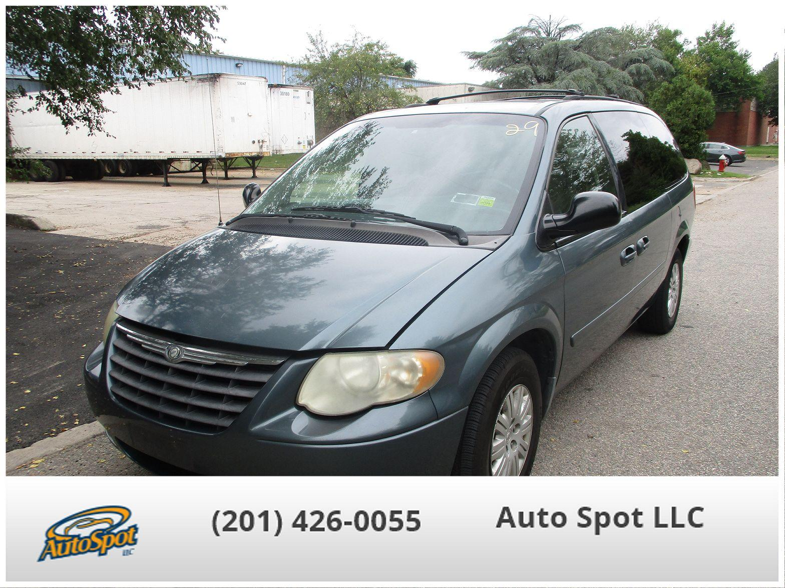 2006 Chrysler Town & Country $999