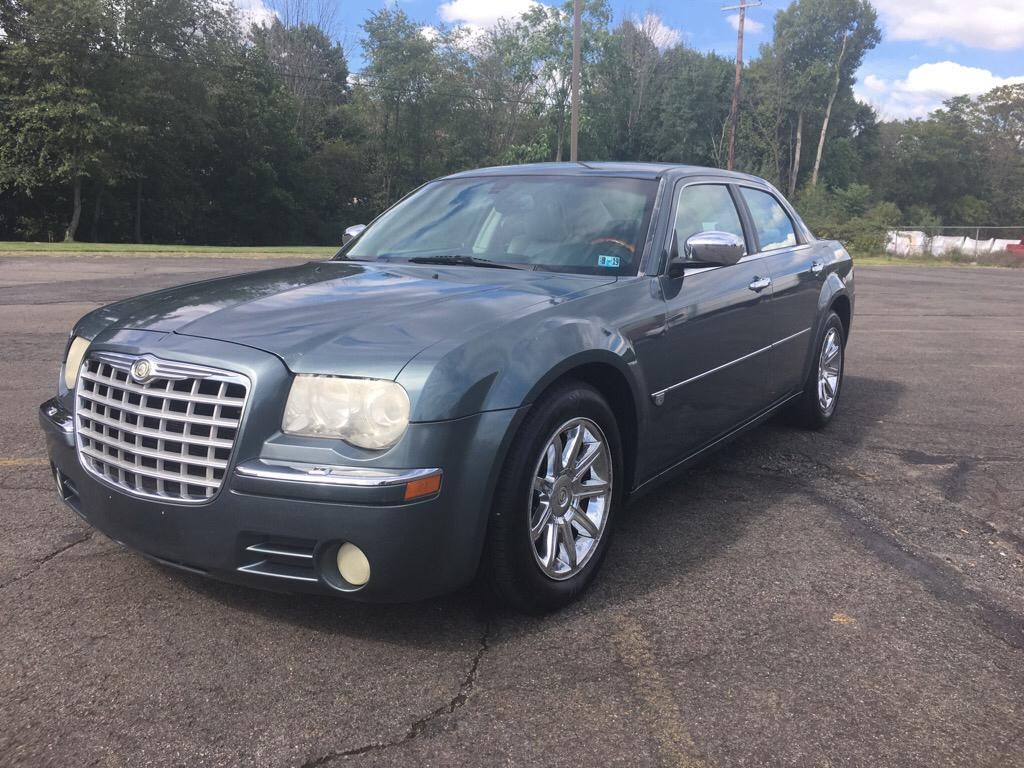 2005 Chrysler 300 $695