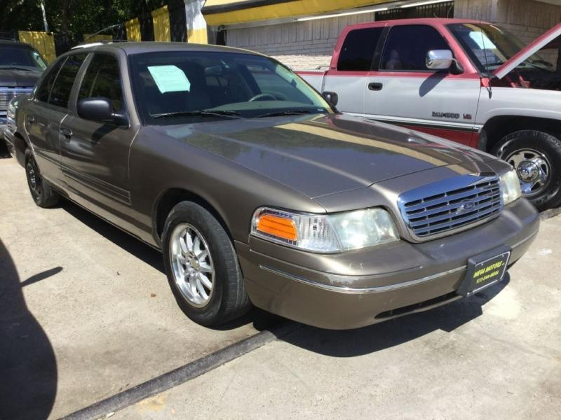 2004 Ford Crown Victoria $525