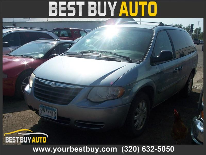 2005 Chrysler Town & Country $650